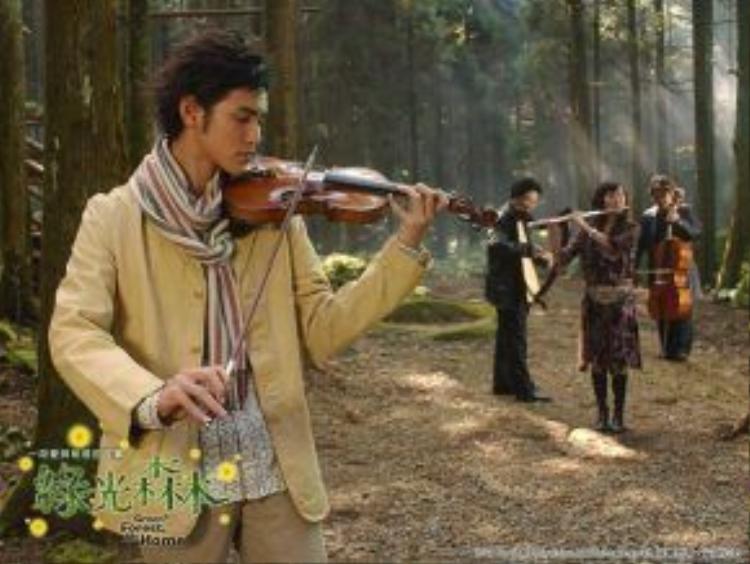 Hình ảnh lãng tử của Nguyễn Kinh Thiên bên cây đàn violon vẫn chưa đủ khiến khán giả nhớ đến anh.