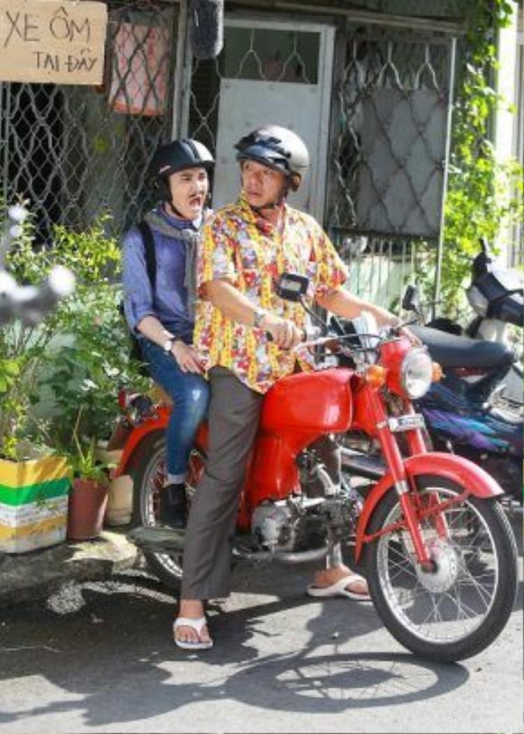 Mới đây nhất, ngoài việc đảm nhận vai chính trong Sài Gòn, anh yêu em, Huỳnh Lập còn là đồng đạo diễn của bộ phim cùng La Quốc Hùng. Cả hai đã có nhiều đóng góp, xây dựng để cùng tổng đạo diễn Lý Minh Thắng thực hiện một tác phẩm điện ảnh chỉn chu và kỹ lưỡng nhất có thể.