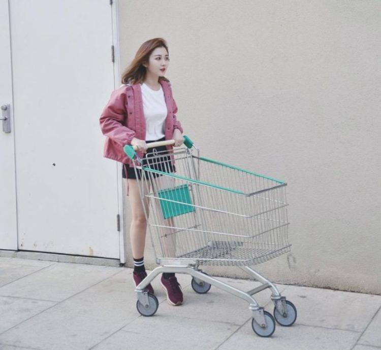 Ribi Sachi: cô nàng cá tính với style thời trang chuẩn kẹo ngọt!