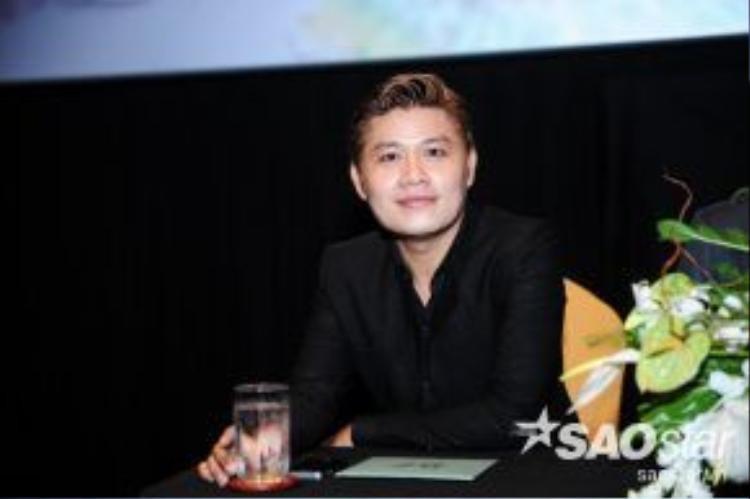 Nhạc sĩ Nguyễn Văn Chung trong buổi họp báo.