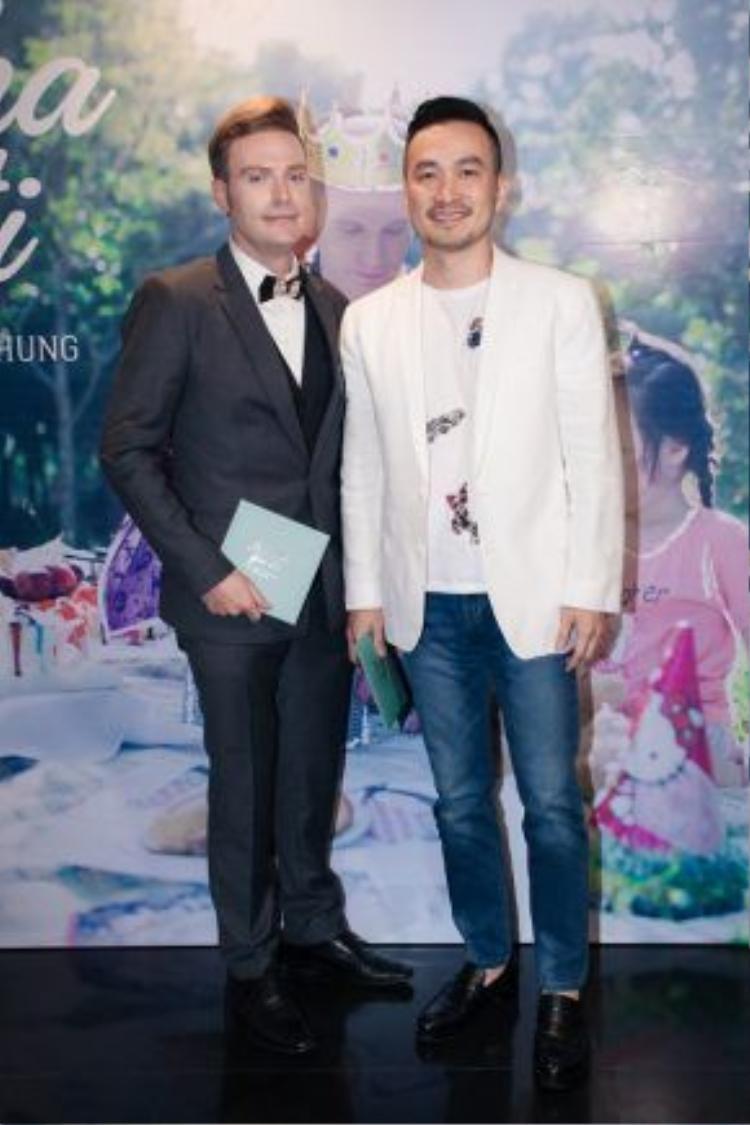 Diễn viên Chi Bảo chung vui với Kyo.