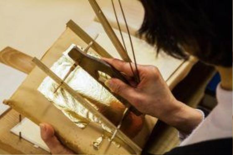 Thành phố này sản xuất 98% vàng lá trang trí của Nhật Bản. Ảnh: Projectbasho.