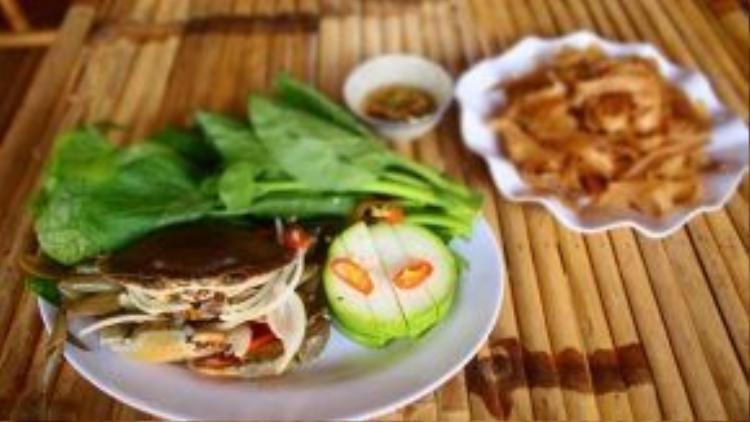 Cách đây vài năm, lẩu cua biển được coi là một trong những trào lưu hot của ẩm thực Sài thành. Hiện, một số quán lẩu cua ra đời vào thời điểm ấy vẫn còn tồn tại và hút khách đến ngày nay.