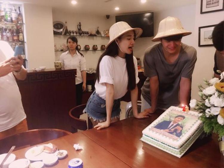 Kang Tae Oh hạnh phúc đón tuổi mới bên cạnh Nhã Phương