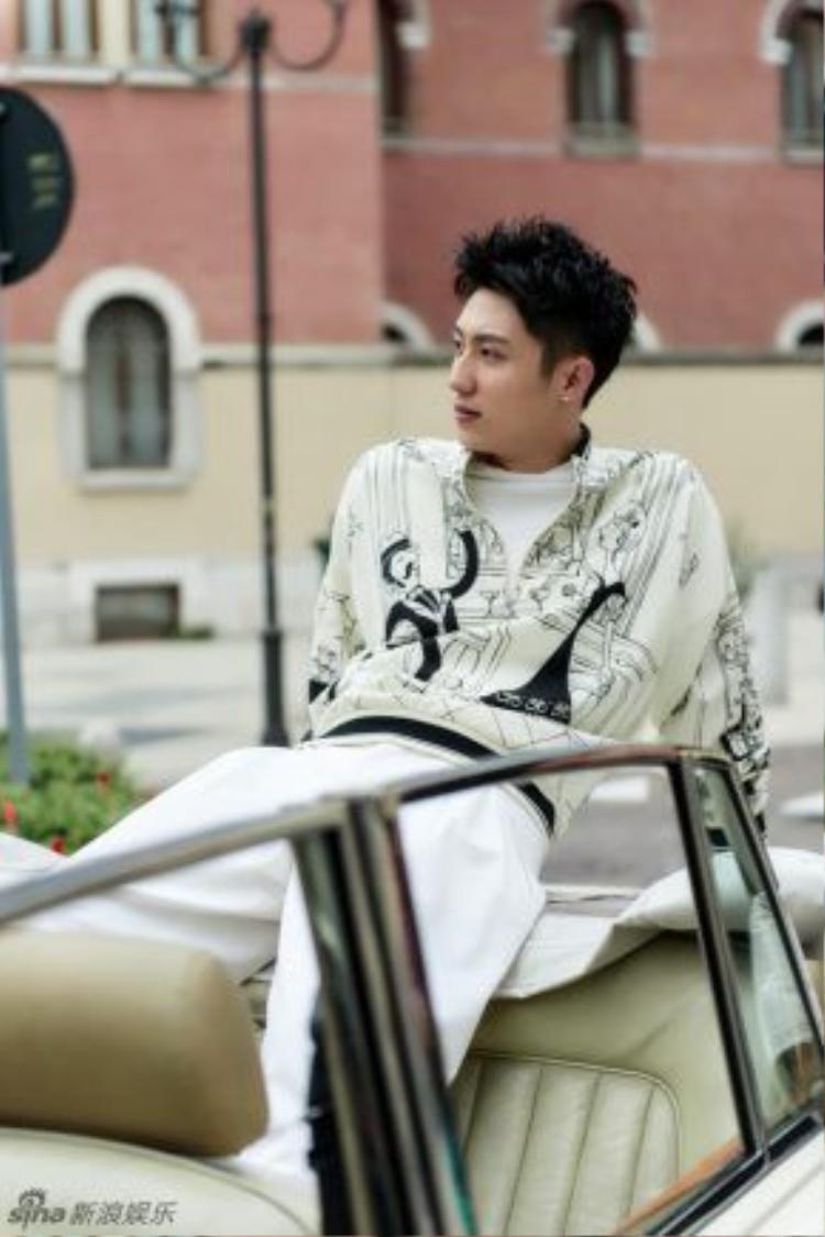 Bộ ảnh thu hút hàng chục nghìn lượt xem trên Sina.