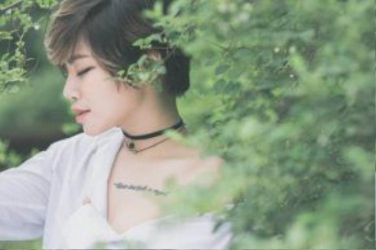 Cát-sê hiện tại ở Yến Lê đủ để cô quay vòng sản phẩm âm nhạc mới.