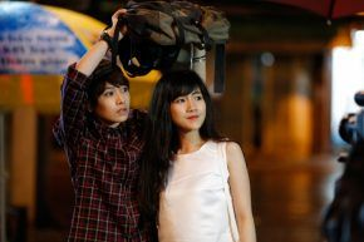 Bộ phim My Sunshine do Chi Pu viết kịch bản, đạo diễn, sản xuất và đảm nhận vai chính nhận được nhiều thiện cảm của khán giả trẻ.