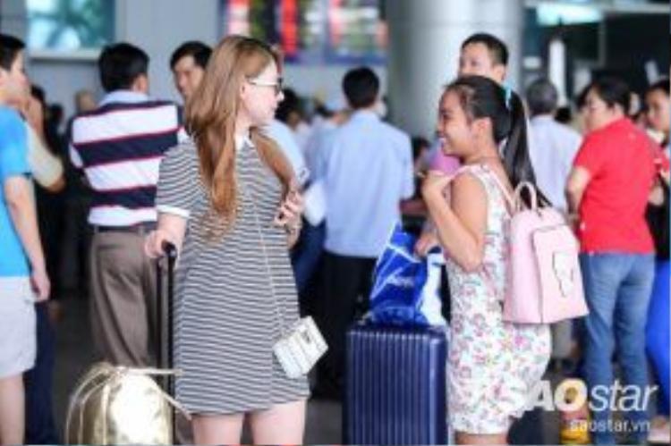 Không ít người đã nhận ra Thanh Thảo ở sân bay.
