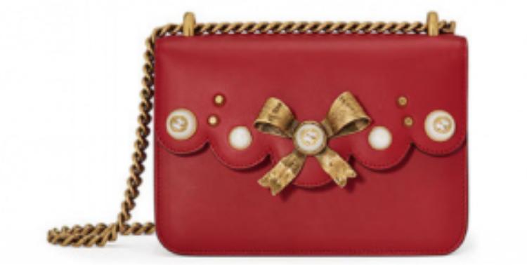 Gucci Peony Small với khóa vàng có giá 1850$ (khoảng 41 triệu đồng)