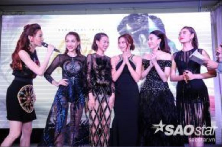 Đặc biệt, Hồ Ngọc Hà cũng bật mí về kế hoạch thực hiện music video cùng 5 thí sinh The Face trong team của mình như một món quà kỷ niệm ý nghĩa.
