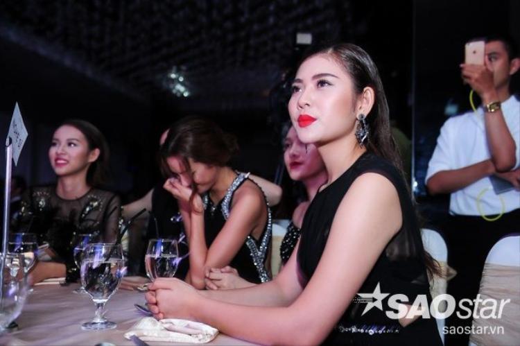 Ra mắt DVD Love Songs, Hồ Ngọc Hà tiết lộ dự án khủng cùng thí sinh The Face