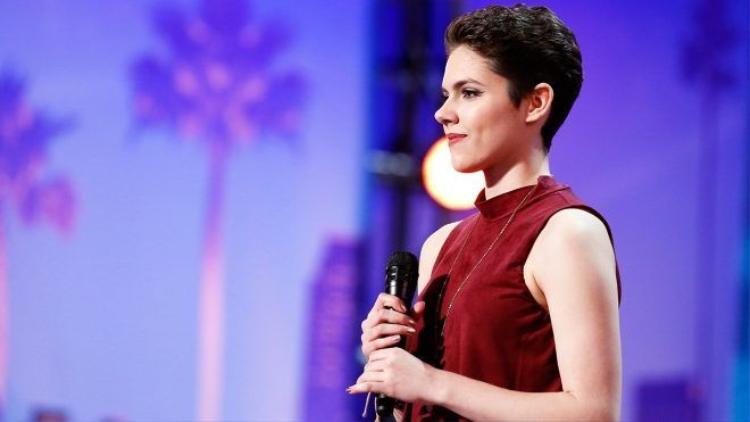 Chiến đấu từng ngày với ung thư, giọng ca 16 tuổi chinh phục hàng triệu khán giả Mỹ