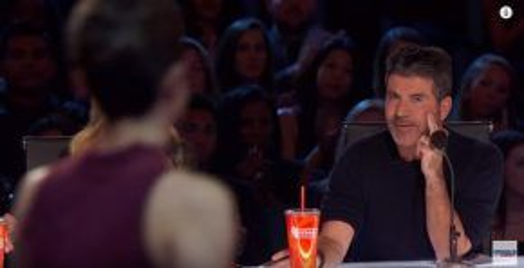 Simon thật sự xúc động trước màn biểu diễn của Calysta.