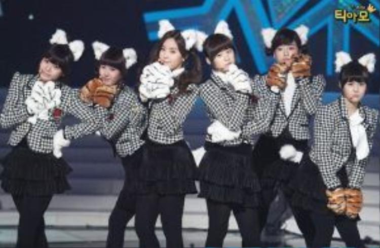 """T-ara cũng từng dễ thương, """"kẹo ngọt"""" như thế này."""