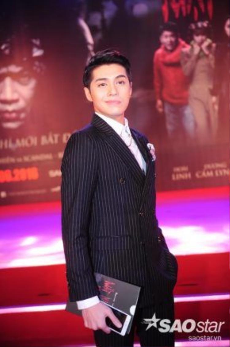 Tuy không đóng phim nhưng Noo Phước Thịnh cũng góp phần không hề nhỏ trong Mặt nạ máu với vai trò ca sĩ thể hiện nhạc phim.