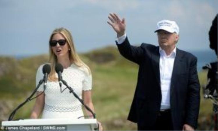 Con gái ông, Ivanka Trump cũng tham gia phát biểu và ủng hộ cha mình tuyệt đối.