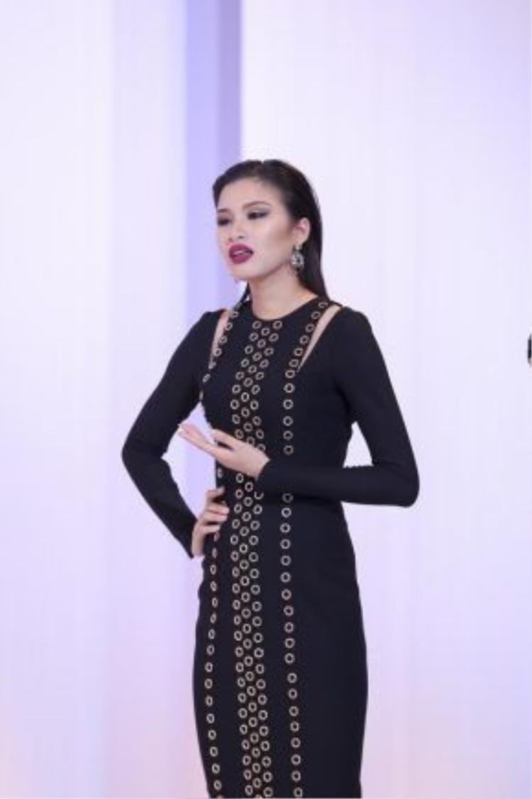 Nguyễn Thị Thành bị gọi tên và phải chia tay cuộc chơi.