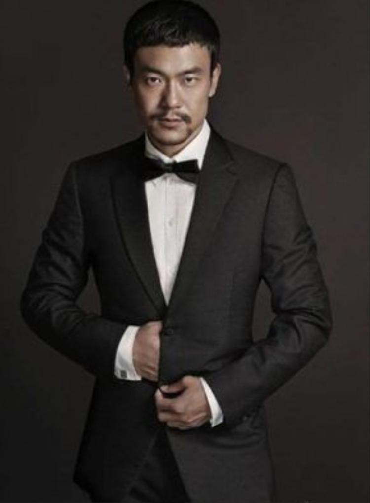 Ảnh đế Liêu Phàm trong vai Thái Vĩ.