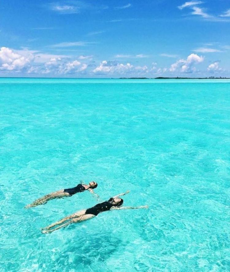 Muốn du lịch miễn phí khắp thế giới, theo dõi ngay 5 tài khoản instagram này!