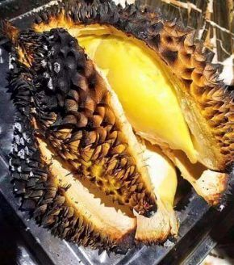 Cách biến tấu món sầu riêng này không chỉ tạo nên sự lạ miệng mà còn bổ sung thêm vi thơm ngon cho loại trái cây này.