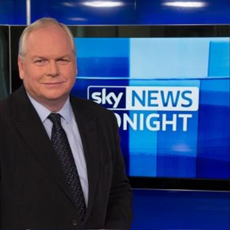 """Biên tập viên chính trị Adam Boulton của đài Sky News kể rằng, chỉ trong cuối tuần vừa qua ông và gia đình đã tận mắt chứng kiến 3 lần những câu hỏi kiểu """"Bao giờ mày mới cút về quê?"""" nhằm vào người nhập cư."""