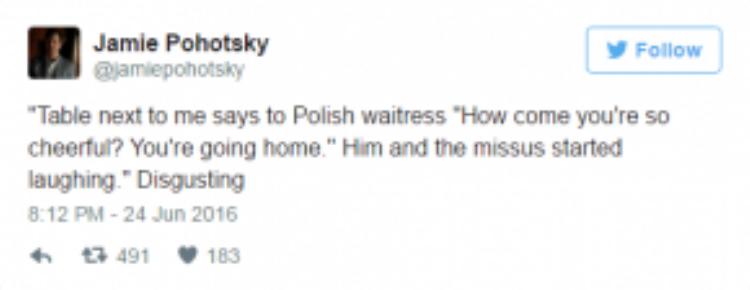 """Hai vợ chồng ở bàn bên cạnh tôi nói với cô phục vụ Ba Lan: """"Sao cô có thể vui vẻ vậy chứ? Cô chuẩn bị về nhà rồi"""", sau đó cả hai cùng cười phá lên."""