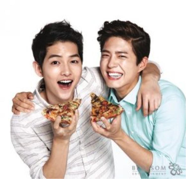Hai nam diễn viên đều là những ngôi sao xu hướng bây giờ. Hình ảnh quảng cáo ngày 25/6.