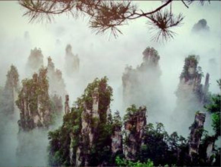 Khung cảnh đẹp ngoạn mục của những núi đá từng xuất hiện trong siêu phẩm Avatar.