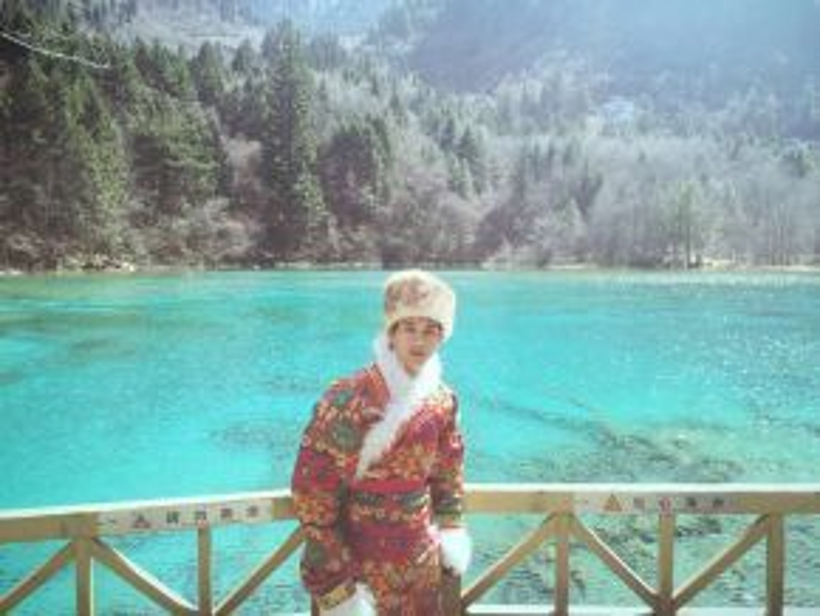 """Hồ Quang Hiếu thường có thói quen """"cosplay"""" thành người địa phương tại các điểm du lịch từng đến."""