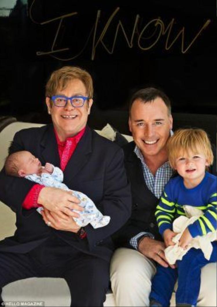 Gia đình hạnh phúc của cặp đôi đồng tính Elton John.