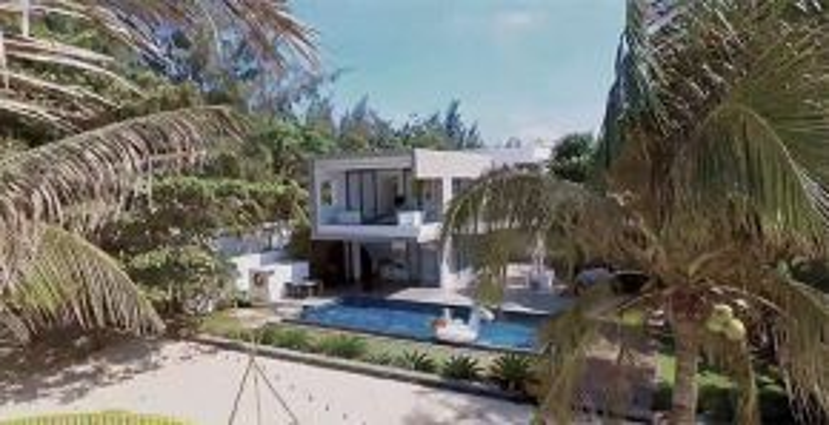 Ở 16 giây teaser đầu tiên, các khán giả đã kịp choáng với độ hoành tráng của căn biệt thự bãi biển sang trọng rộng 1.000 mét vuông giữa khung cảnh thiên nhiên đẹp thơ mộng.