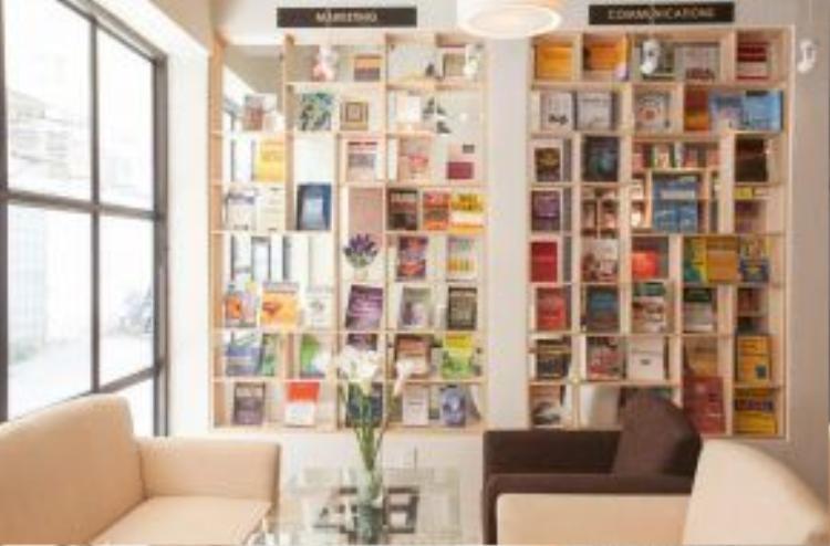 FYI Bookcafe - 205/2 - 3 Nguyễn Trãi, P. Nguyễn Cư Trinh, Quận 1