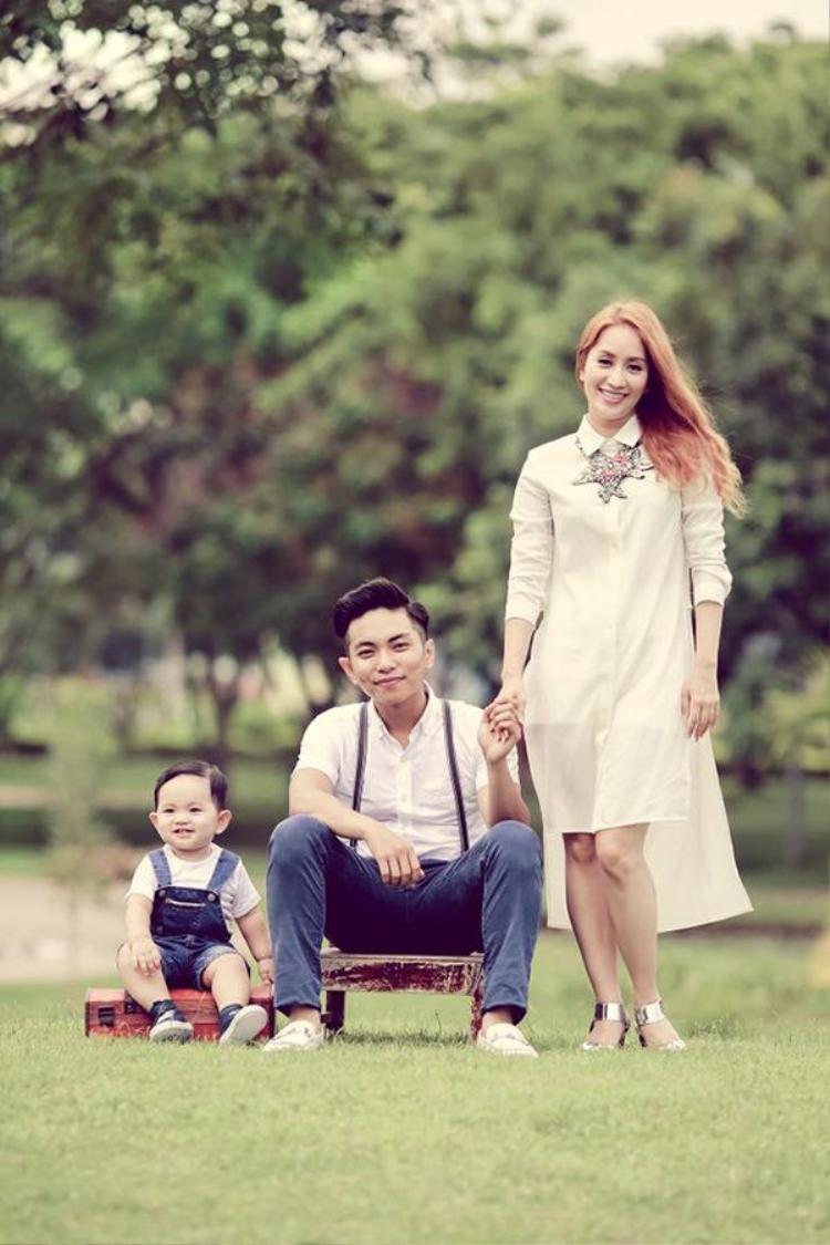 Gia đình là nơi để về, Khánh Thi  Phan Hiển chỉ cần bình yên bên con trai