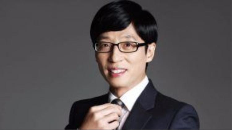 Yoo Jaesuk đã ký hợp đồng với công ty FNC vào 15/7/2015 sau 5 năm hoạt động độc lập không nằm dưới trướng công ty nào.