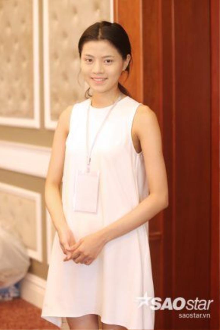 Vẻ đẹp mộc mạc của thí sinh Hoàng Mỹ Linh, cô gái là người dân tộc Mường.
