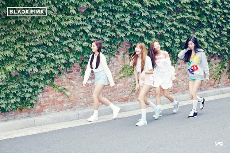 YG chốt girlgroup mới với 4 thành viên: 2NE1 sẽ trôi về đâu?