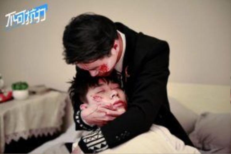 Phân đoạn Tạ Viêm khóc nấc khi thấy Thư Niệm bị đánh khiến cho ai cũng thấy chạnh lòng.