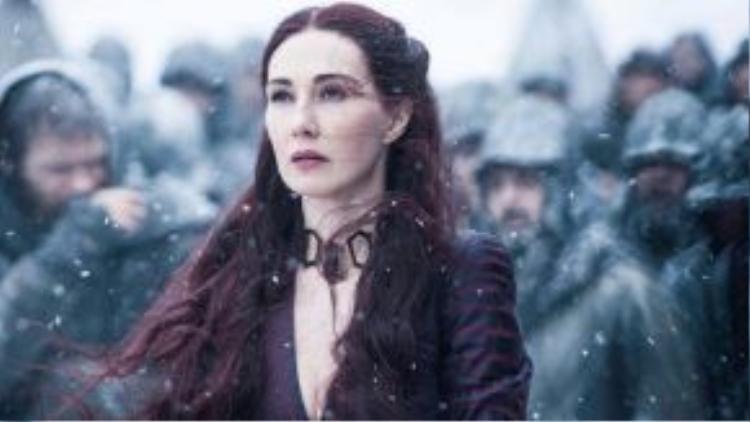 Sau thời lượng gần một tiếng tràn ngập âm mưu, toan tính, bạo lực ở mỗi tập phim trên truyền hình, Game of Thrones sẽ tiếp tục làm mưa làm gió trên các trang web xem phim, và trở thành đề tài tranh luận hàng đầu của người hâm mộ trên mạng xã hội.