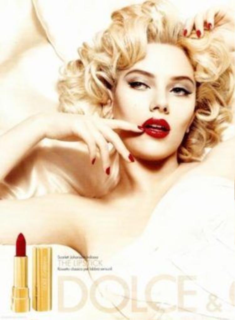Dù có Scarlett Johansson làm đại diện hình ảnh vào năm 2012, mỹ phẩm D&G vẫn không ghi được dấu ấn gì trong lòng người tiêu dùng và tín đồ mỹ phẩm.