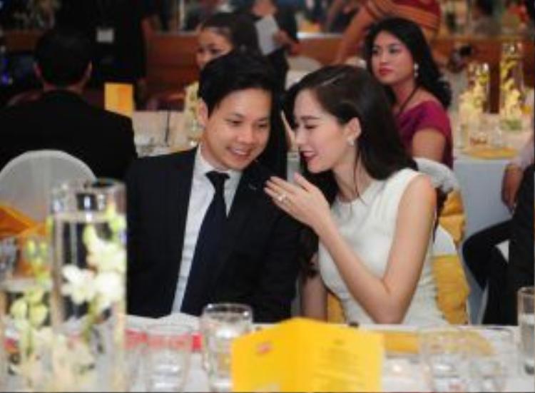 Hoa hậu Việt Nam 2012 Đặng Thu Thảo cùng bạn trai Trung Tín đã hẹn hò được hai năm. Mối quan hệ của cặp đôi đang tiến triển rất tốt đẹp, được sự ủng hộ của cả bạn bè, đồng nghiệp lẫn người hâm mộ.