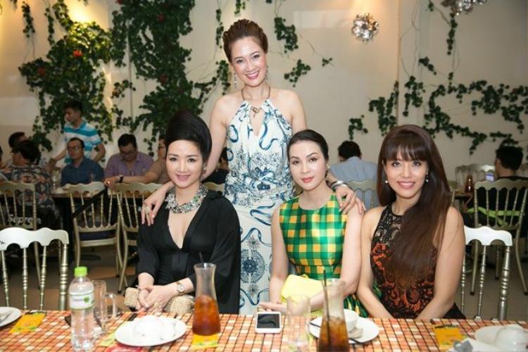 Người đẹp Đền Hùng Giáng My đẹp hút hồn đến chúc mừng hoa hậu Đàm Lưu Ly