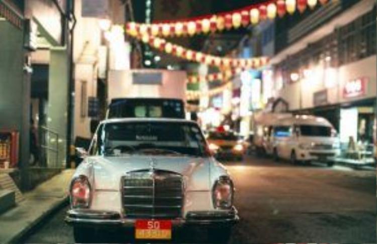 Singapore:Sự thịnh vượng của đảo quốc này chính là điểm giúp Singapore có nhiều khác biệt nhất so với hầu hết các thành phố châu Á khác. Bởi dù có một môi trường sống cực kỳ hiện đại thế nhưng người dân nơi đây vẫn gìn giữ nhiều nét truyền thống của nền văn hóa mà cha ông họ để lại. Chưa kể, sự pha trộn độc đáo giữa các văn hóa cũng khiến Singapore là điểm đến thu hút.