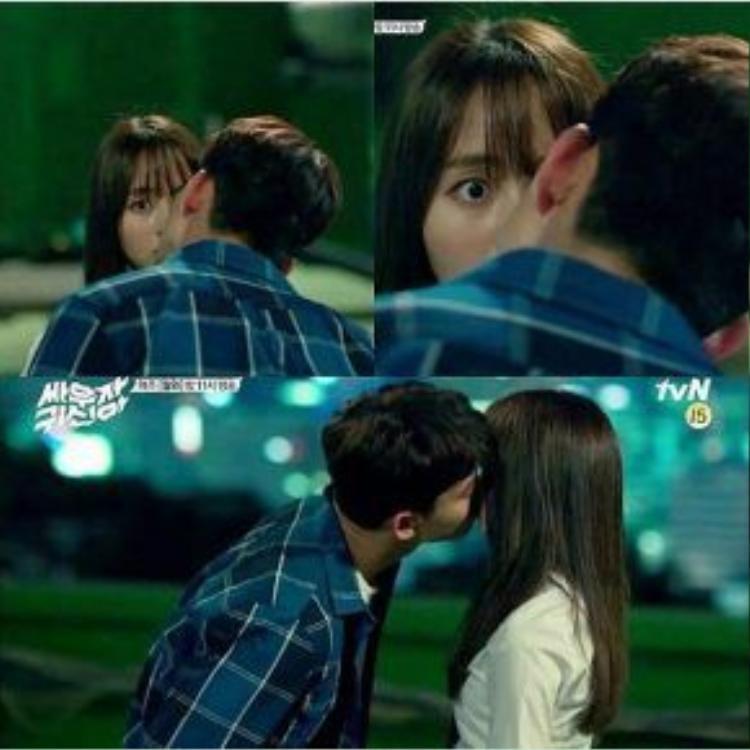 Nụ hôn không do dự đến từ phía Park Bong Pal.