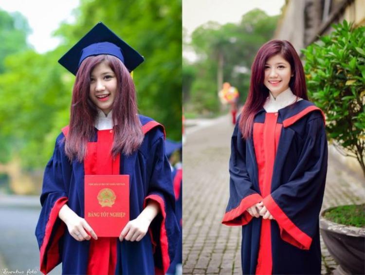 Cười thật tươi, cầm bằng tốt nghiệp và chụp thôi!