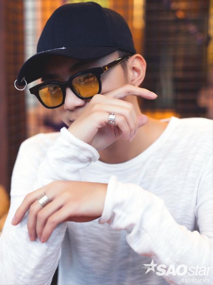 Không nhận mình là một ngôi sao, Soobin Hoàng Sơn chỉ đơn giản nghĩ bản thân là một người ca sĩ cống hiến âm nhạc cho khán giả và nước nhà.