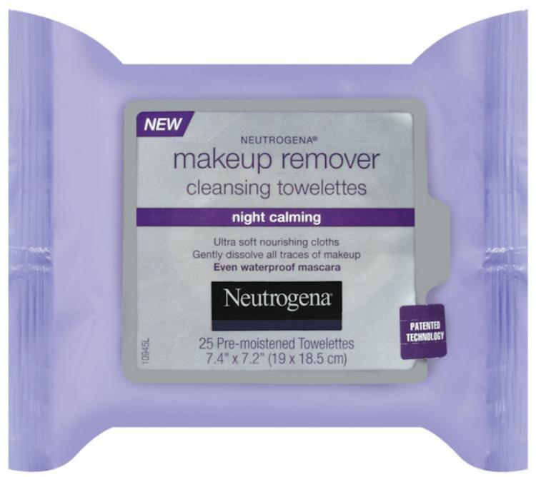 Neutrogena Cleansing Towelettes có thể tẩy ngay cả mascara chống trôi đấy! Bạn có thể mua tại các cửa hiệu xách tay Mĩ với giá 170.000 đồng/bịch 25 miếng.