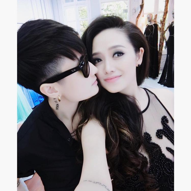 Những hình ảnh thân mật ngọt ngào thường thấy trên trang cá nhân của Lin và Trang.