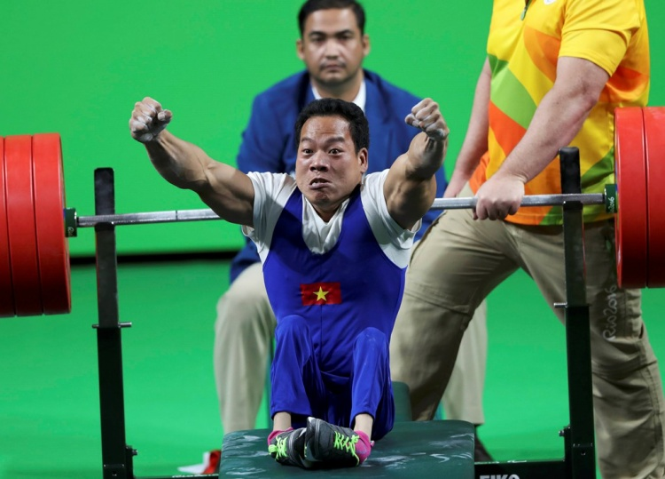Khoảnh khắc chiến thắng của VĐV Lê Văn Công tại giảiParalympics 2016.