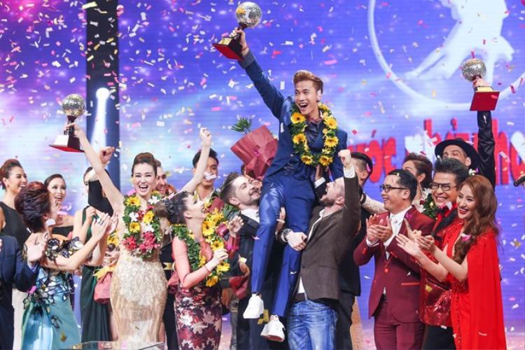 S.T trở thành Nam vương đầu tiên sau 7 mùa Bước nhảy hoàn vũ.