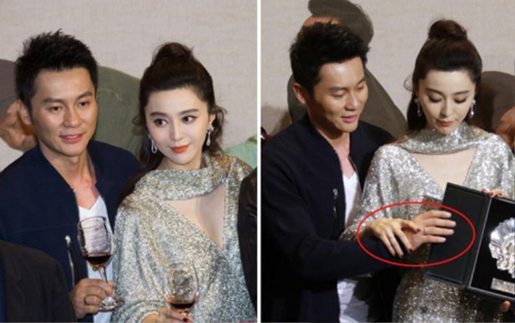Cặp đôi từng bị nghi là đeo nhẫn đính hôn trong một sự kiện tham dự cùng nhau.
